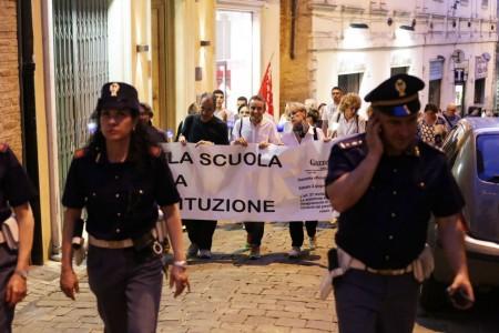 Fiaccolata insegnanti contro Renzi 13