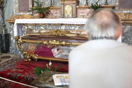 La teca di san Vincenzo Strambi dopo il furto