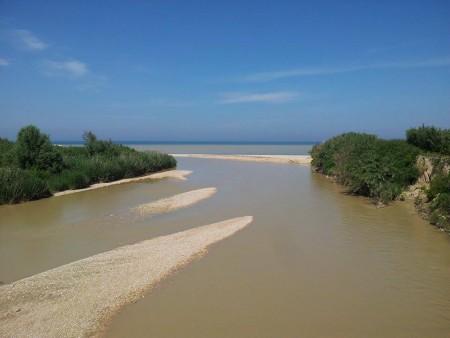 La-foce-del-fiume-Potenza-alle-15.-450x338