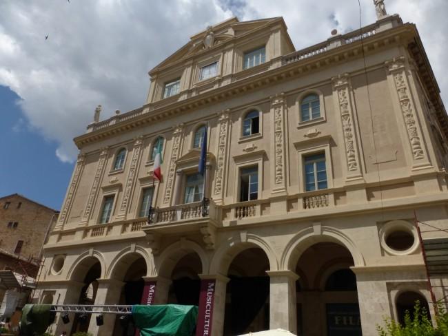 Palazzo degli studi con impalcatura (10)
