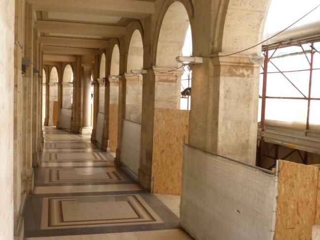 Palazzo degli studi con impalcatura (3)