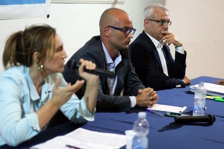 Deborah Pantana, il giornalista Lorenzo Moroni (moderatore del confronto) e Romano Carancini