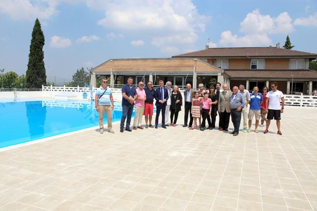 Foto di gruppo nella nuova piscina della Filarmonica