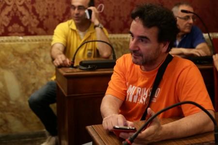 Roberto Cherubini dei 5 Stelle oggi in Comune in attesa dei riusltati