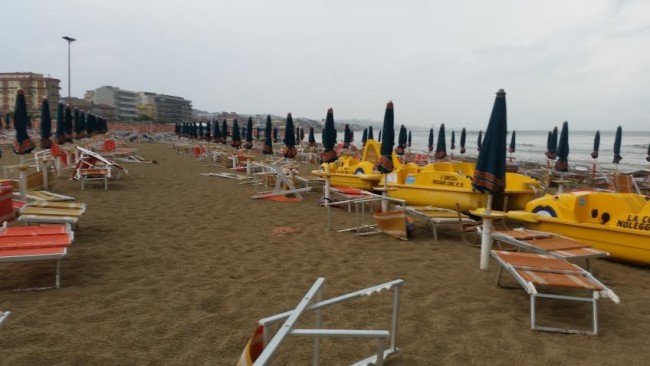 La spiaggia dello chalet La Contessa (foto di Luca Pigliacampo)