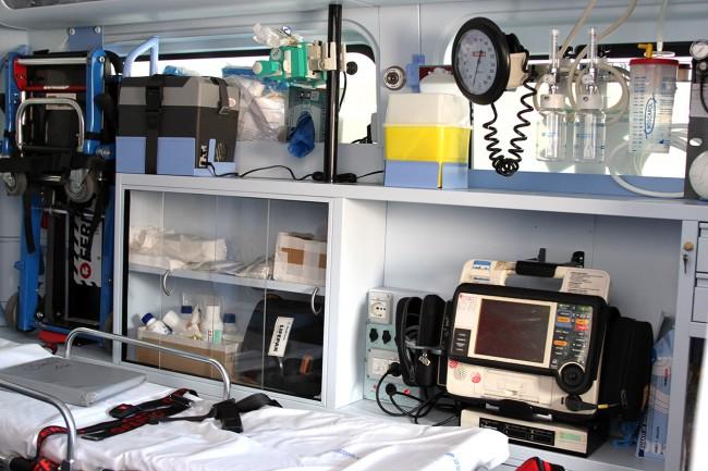 L'interno di una delle ambulanze