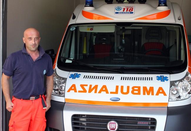 Una delle ambulanze del 118, dal costo di 100mila euro. La rianimazione che si muove