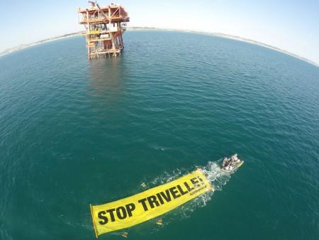 Il blitz di Greenpeace a Civitanova