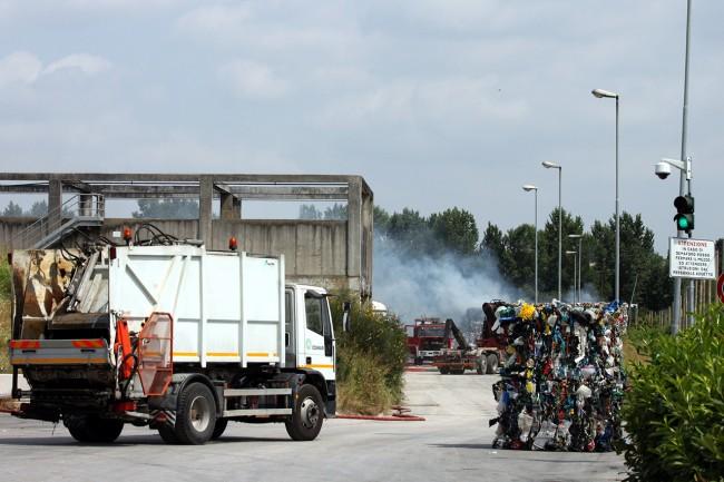 Incendio Cosmari_Foto LB (3)