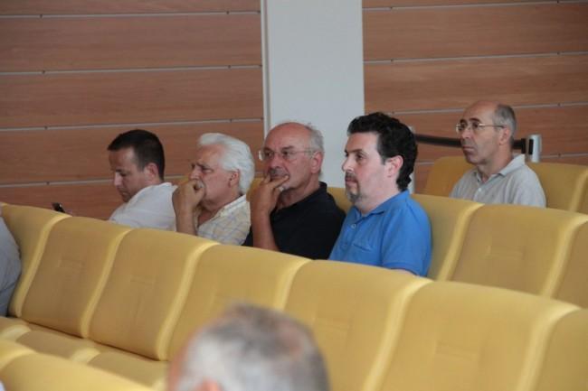 assemblea al cosmari per incendio foto ap 10