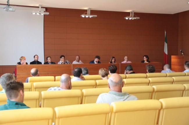 assemblea al cosmari per incendio foto ap 9