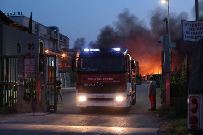 I vigili del fuoco al Cosmari