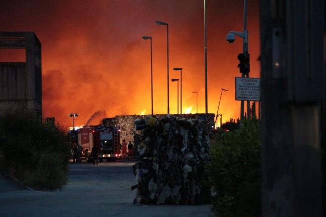 L'incendio della scorsa settimana al Cosmari