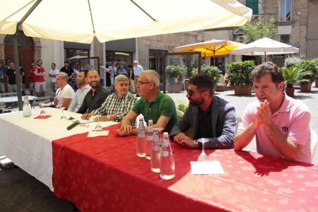 presentazione nuovo allenatore Maceratese Bucchi foto ap 4