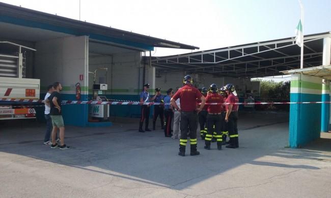 Vigili del fuoco a lavoro nell'impianto di Sarrocciano