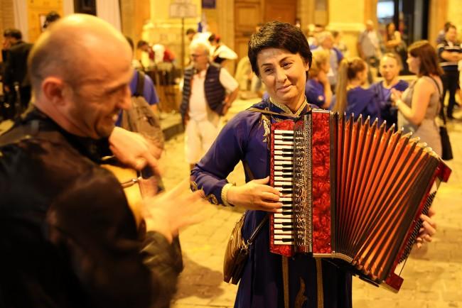 Festa Folk Piazza Annessione Macerata_Foto LB (2)