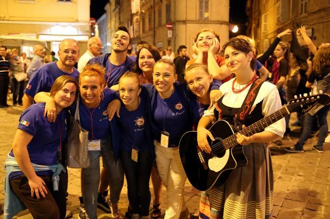 Festa Folk Piazza Annessione Macerata_Foto LB (3)