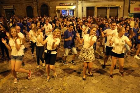 Festa Folk Piazza Annessione Macerata_Foto LB (9)