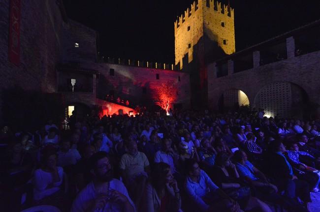 Il pubblico serale