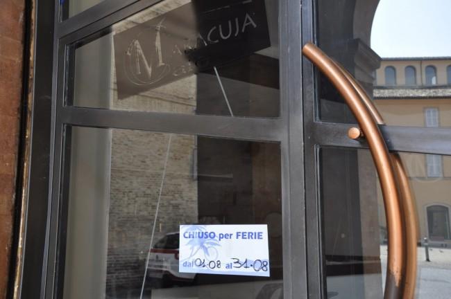 Locali chiusi per ferie(bar Maracuja) foto MS 12