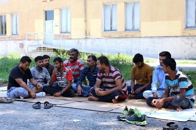 Profughi pakistani Collevario Macerata_Foto LB (1)