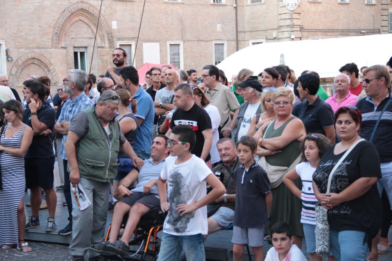 presentazione squadra maceratese piazza libertà foto ap 27