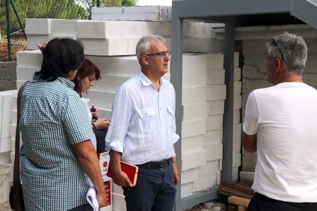 Il sindaco Romano Carancini durante il sopralluogo