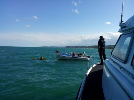 I soccorsi al catamarano