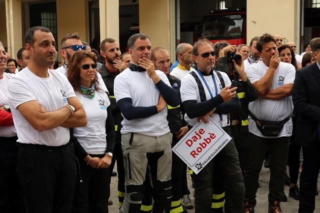 consegna moto torregiani vigili del fuoco_Foto LB (1)