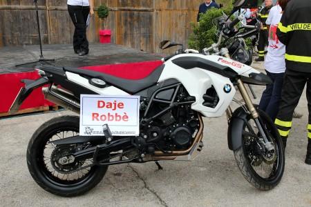 La moto di Torregiani con un messaggio per fargli forza