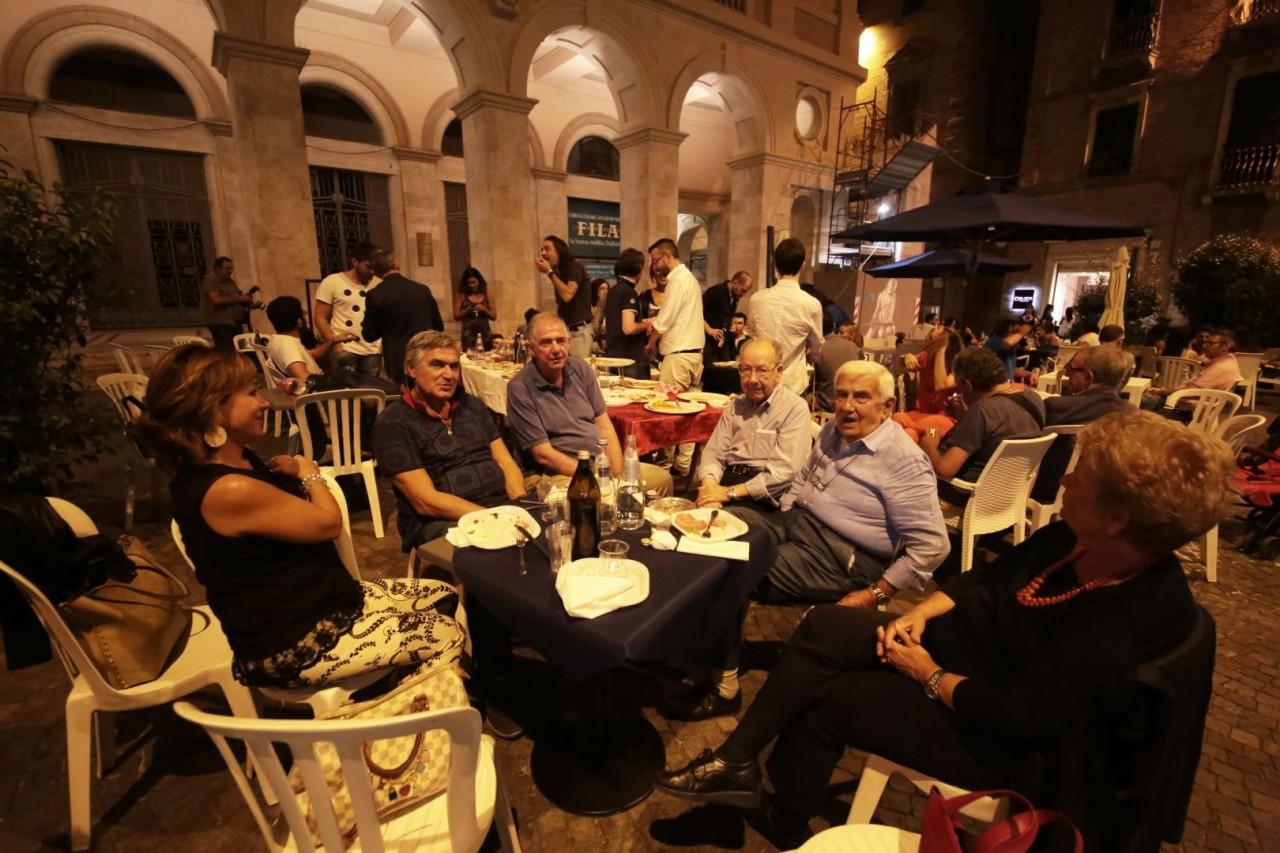 festa cena compleanno cronache maceratesi cm 7 anni di gusto italiano macerata foto ap 13