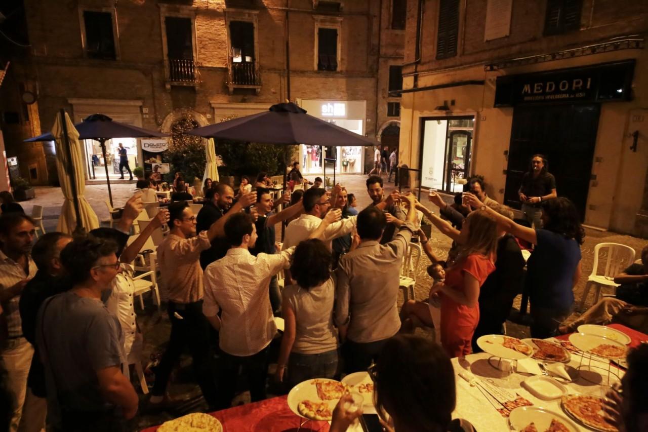 festa cena compleanno cronache maceratesi cm 7 anni di gusto italiano macerata foto ap 16