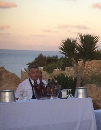 Pierino a Lampedusa durante il matrimonio