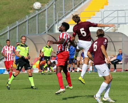 Daniel Kouko in azione contro il Pontedera