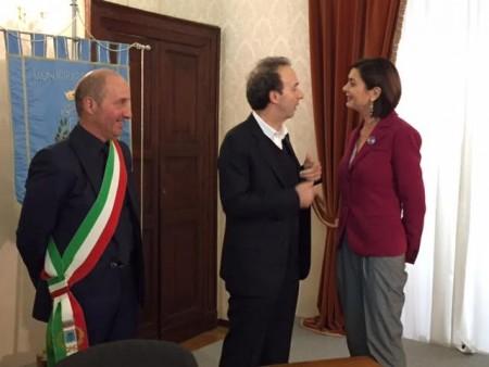 Il sindaco Scuppa con Roberto Benigni e Laura Boldrini
