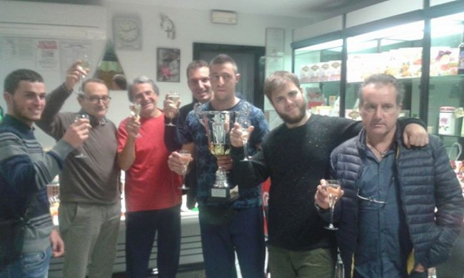 foto festeggiamenti con Assessore allo Sport David Buschittari e Presidente Ente Disfida Giorgio Bartolacci