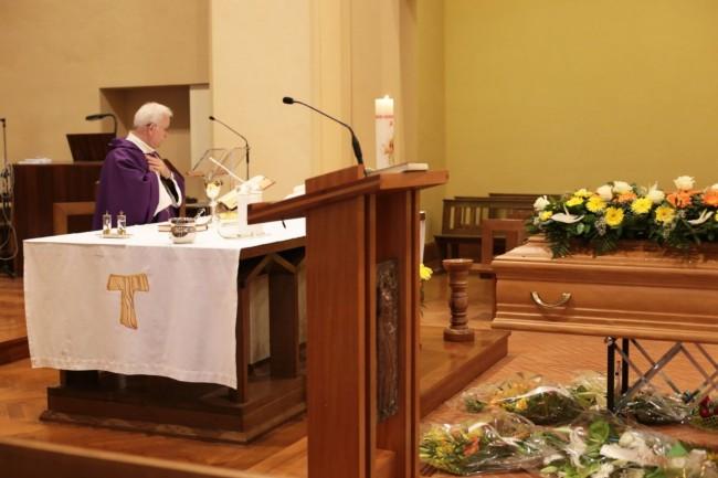 funerale meriggi chiesa cappuccini foto ap (1)