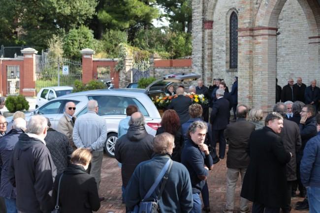 funerale meriggi chiesa cappuccini foto ap (13)