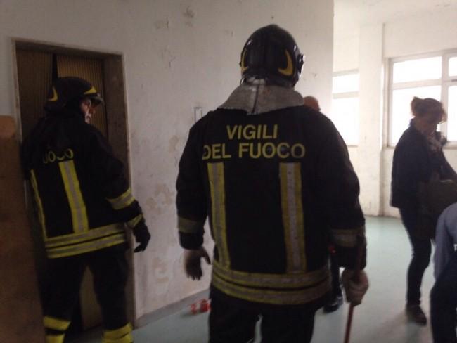 I vigili del fuoco all'Hotel House dopo l'incidente