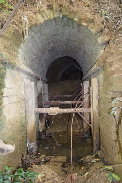 vano accesso alla grotta