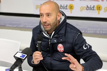 Cristian Bucchi durante la conferenza stampa del post Maceratese-L'Aquila