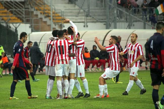 L'esultanza dopo il gol di Fioretti