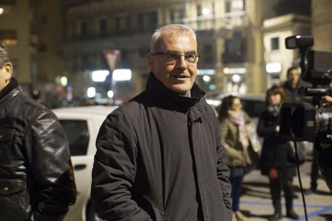 Manifestazione solidarietà sferisterio flash mob Francia attentato carancini foto ap (1)