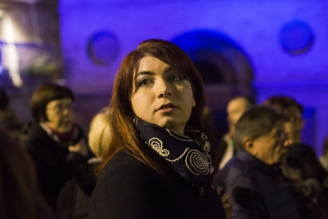 Manifestazione solidarietà sferisterio flash mob Francia attentato foto ap (15)