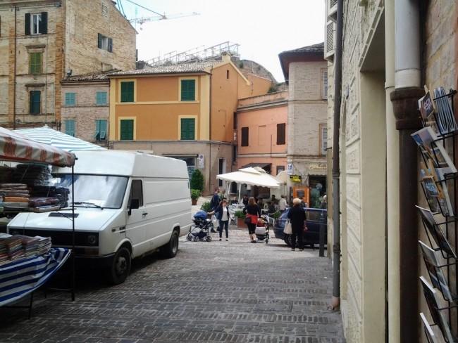 Mazzini piazza (1)