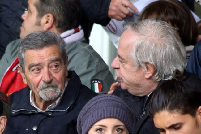 In tribuna la vecchia gloria Sergio Macellari (segno a L'Aquila in serie C nella stagione '63-64) con l'avvocato Giancarlo Nascimbeni