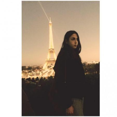 La 19enne Caterina Pieralisi in una foto scattata pochi giorni fa a Parigi