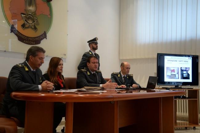 La conferenza stampa delle fiamme gialle ad Ancona