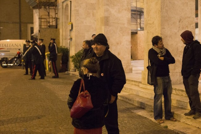 manifestazione centri sociali immigrati attentati piazza battisti foto ap (4)
