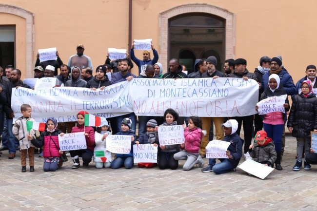 musulmani contro isis not in my name no in mio nome terrorismo islam foto ap (16)